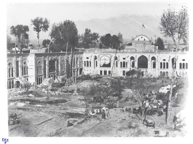 Fig. 14. New andarūn under construction. Gulistan Palace Visual Document Center, Tehran, Iran (343-4).