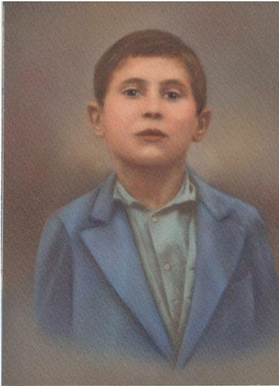 تصویری از استاد احسان یارشاطر در کودکی.