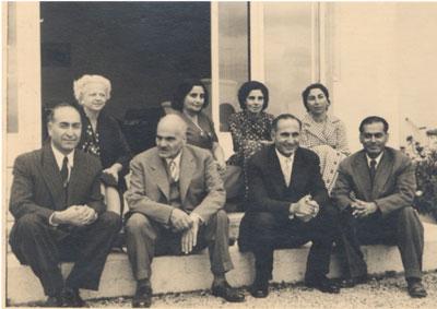 استاد احسان یارشاطر در کنار سیدحسن تقیزاده.